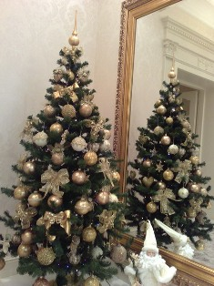 елка в современном стиле